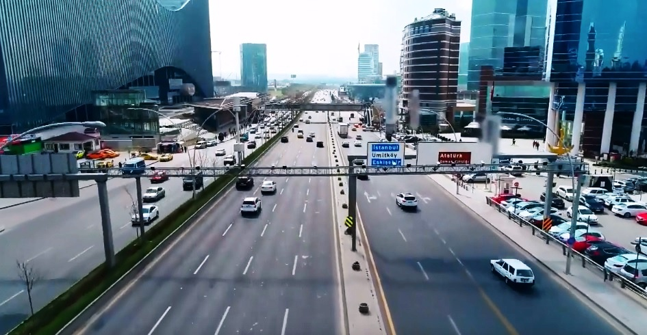 Eğitimsiz İnsanların Olduğu Bir Trafikte Mobese İşe Yarar mı?